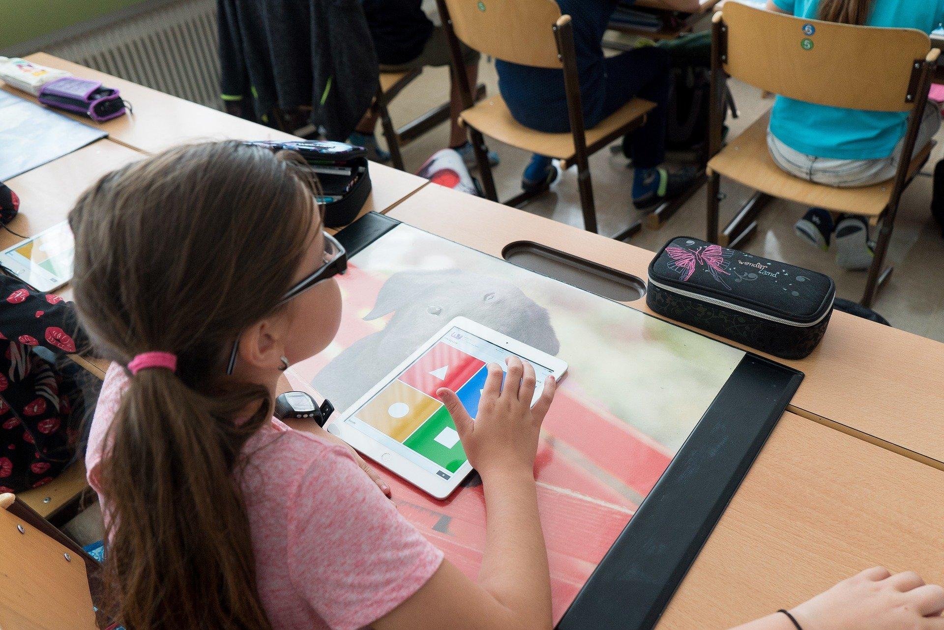 Tablet Schulkind